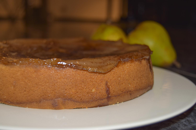 Foodmelodies pear-cardamon cake